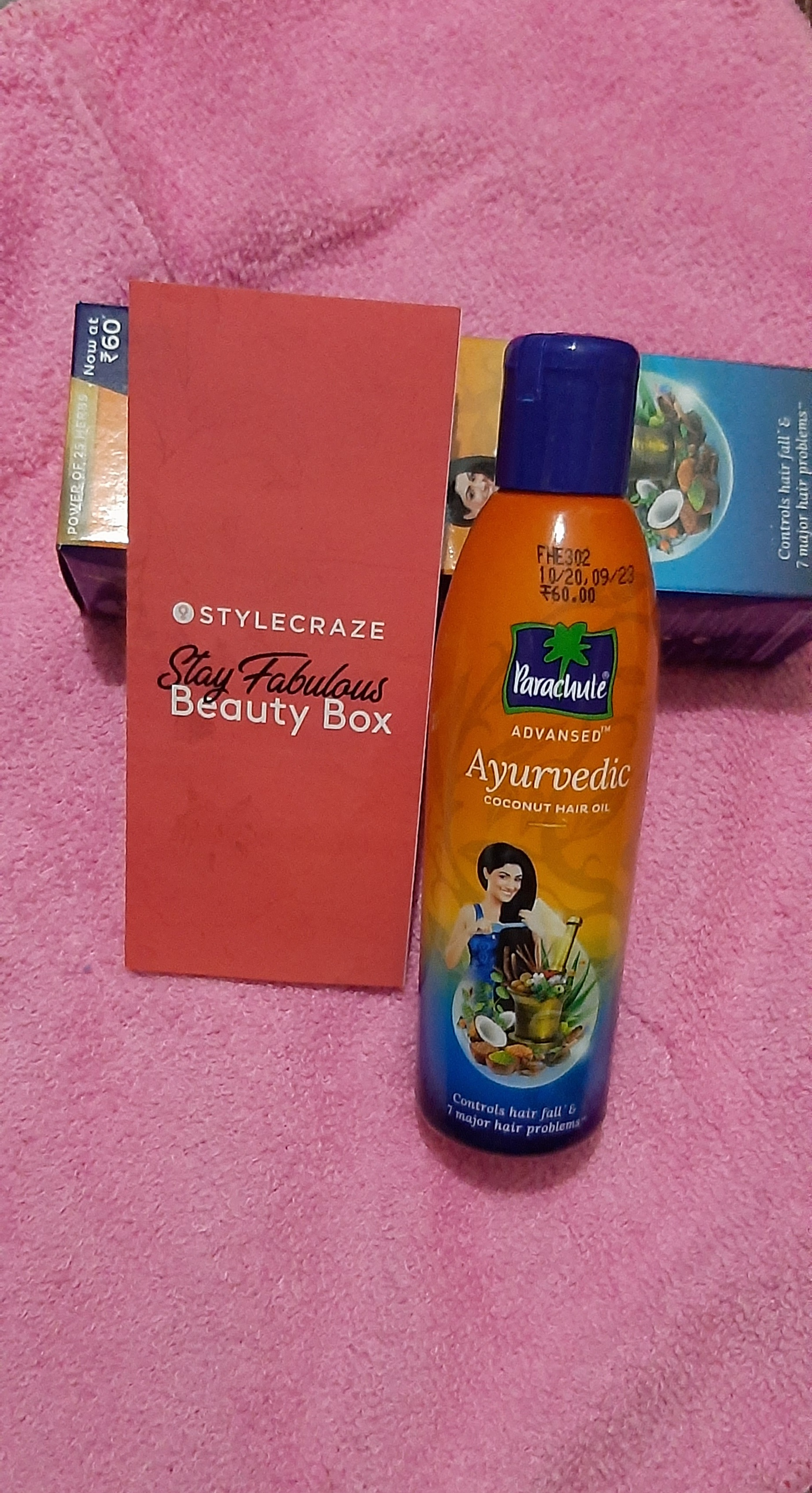 Parachute Advansed Ayurvedic Coconut Hair Oil-Works Well and makes hair healthy and strong.-By siddiqa_shaikh-2