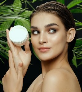 13 Best Moisturizers For Oily And Acne-Prone Skin In 2021