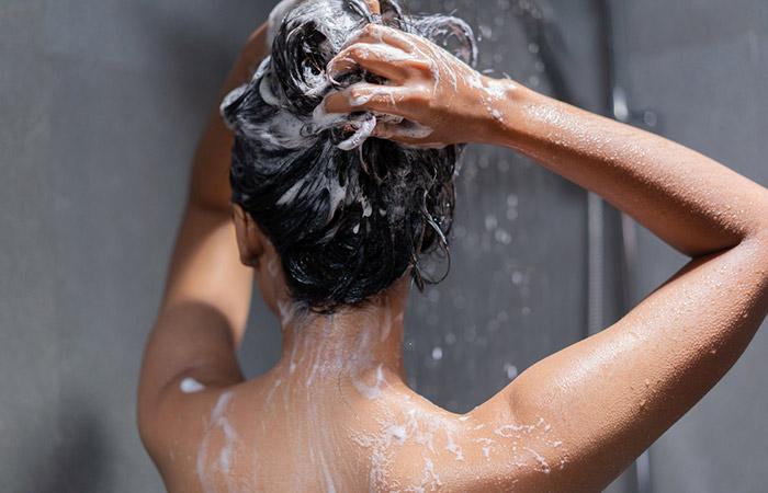 Use A Moisturizing Shampoo