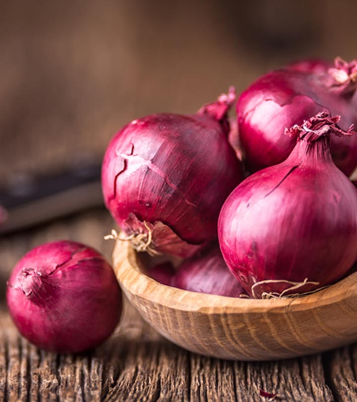Onion Benefits, Uses and Side Effects in Bengali