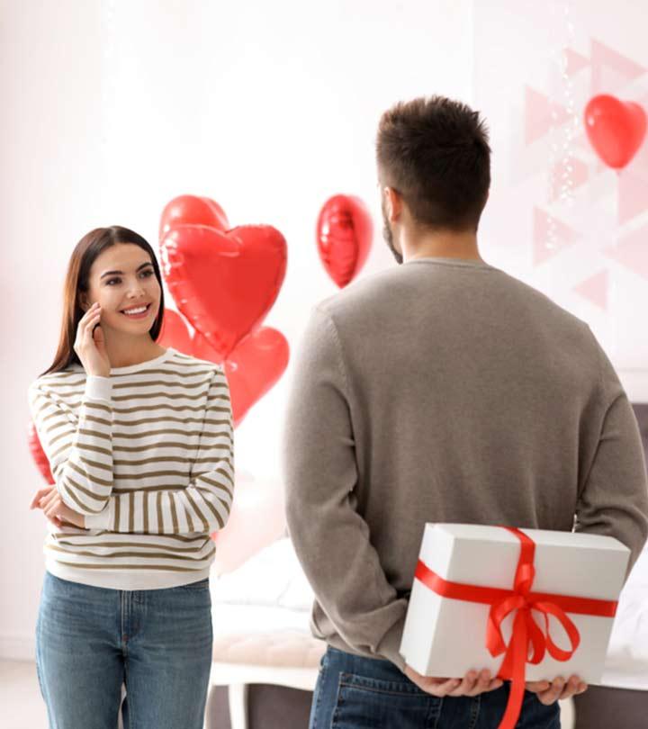 पत्नी को दें ये 50+ बेस्ट रोमांटिक उपहार | Wife Gift Ideas | गिफ्ट फॉर वाइफ