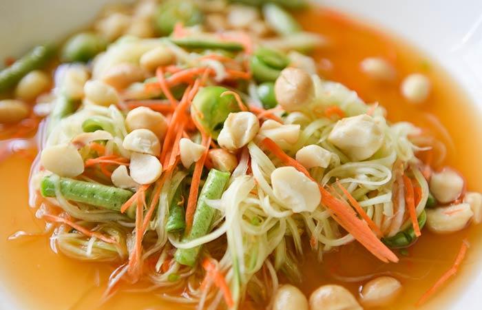 food-papaya-salad-macadamia