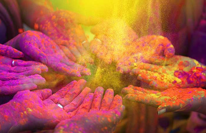 Best 55+ Holi Wishes, Quotes and Messages in Bengali