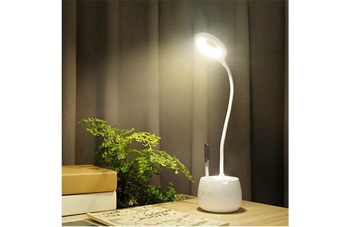 Wooum LED Rechargeable Desk Lamp