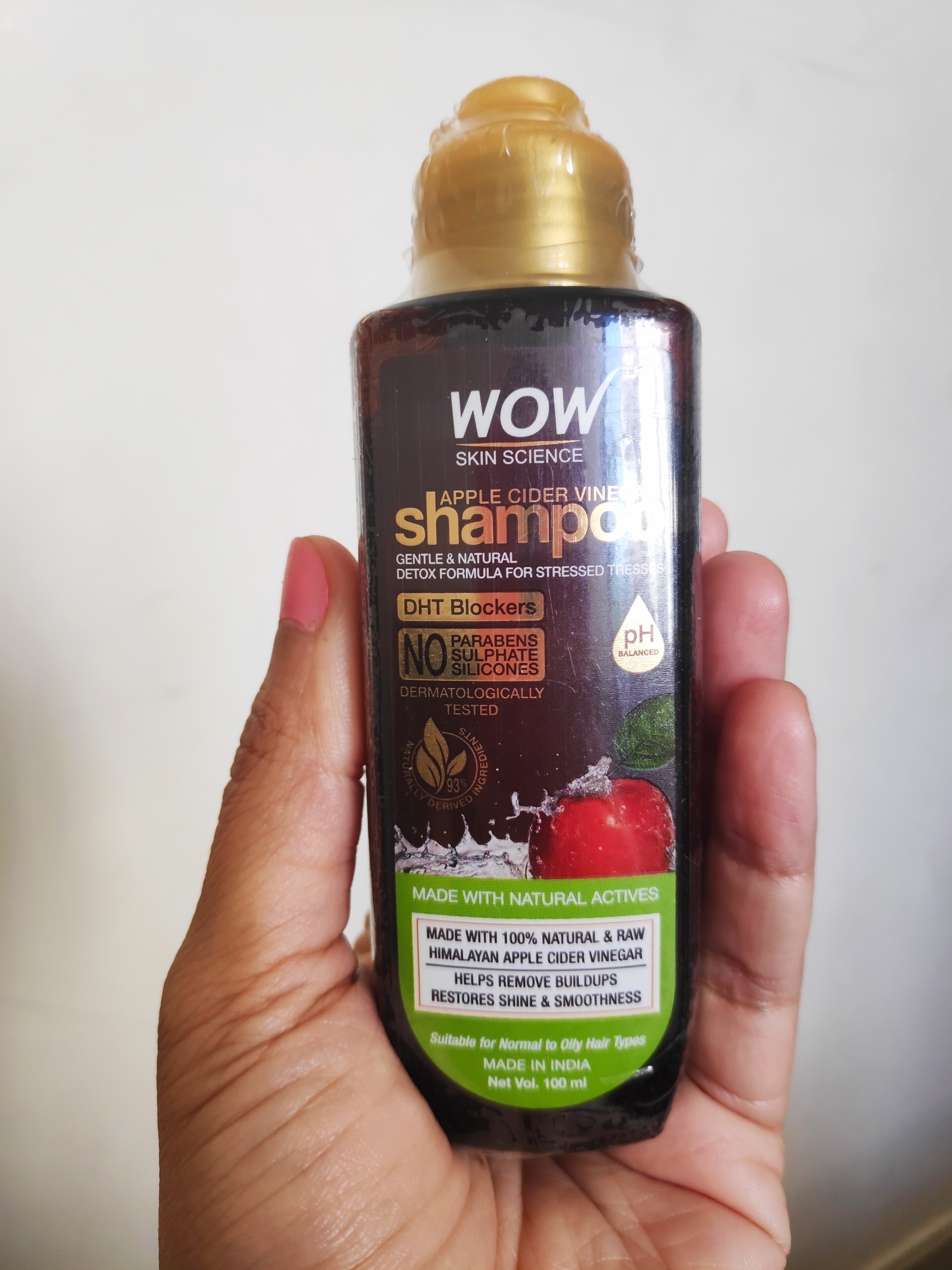 WOW Skin Science Apple Cider Vinegar Shampoo – No Parabens & Sulphate – 300 ml pic 1-Perfect detox solution for dull stressed hair-By specta_kidmumma