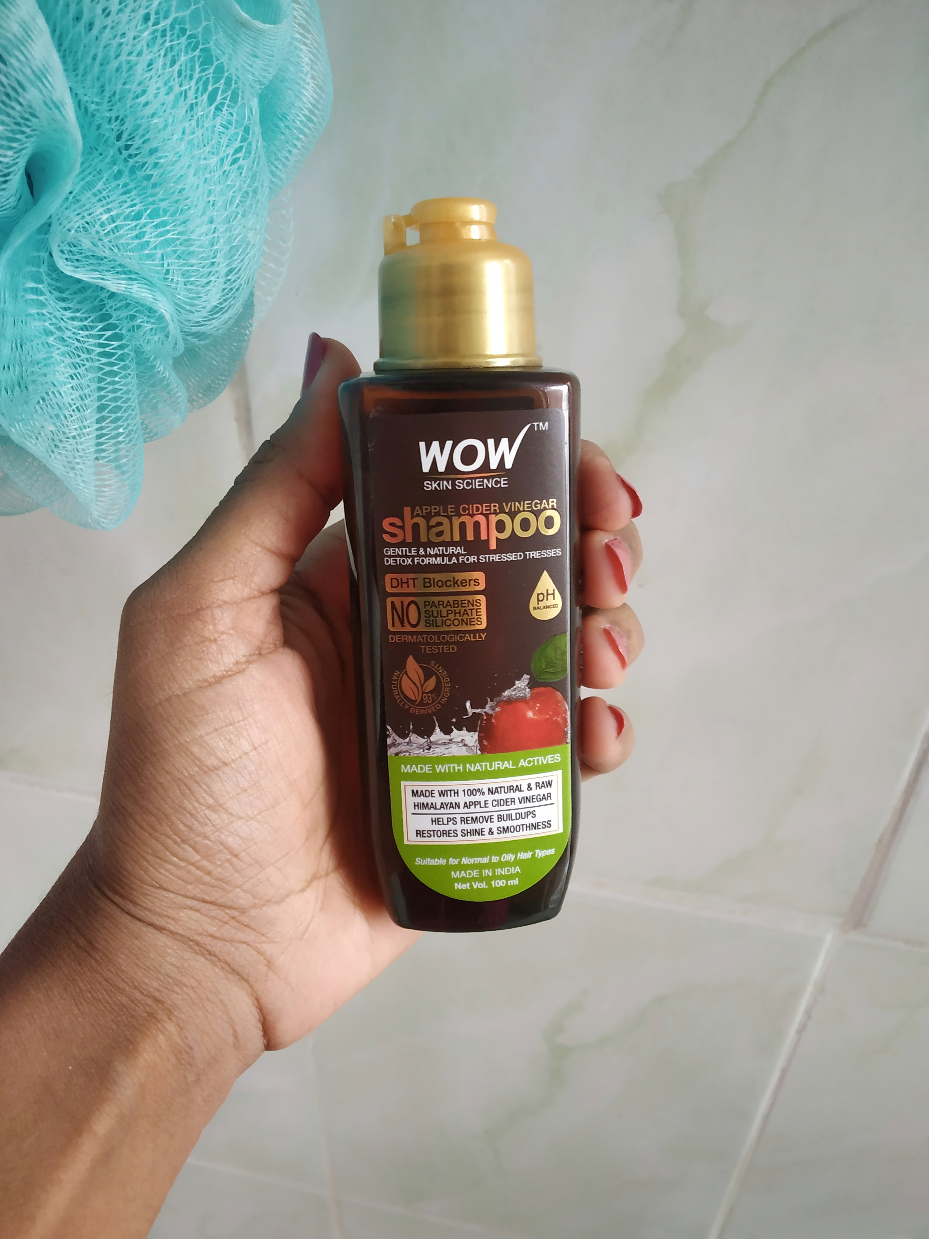 WOW Skin Science Apple Cider Vinegar Shampoo – No Parabens & Sulphate – 300 ml pic 2-As the brand name itself, the product is just Wow!-By praveena_s