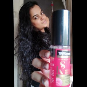 TRESemmé KERATIN SMOOTH HAIR SERUM pic 1-Best for straight and tangle free hair-By thepoojaarya
