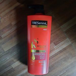 TRESemmé Keratin Smooth Infusing Shampoo -I am fully satisfied-By aki_sharma