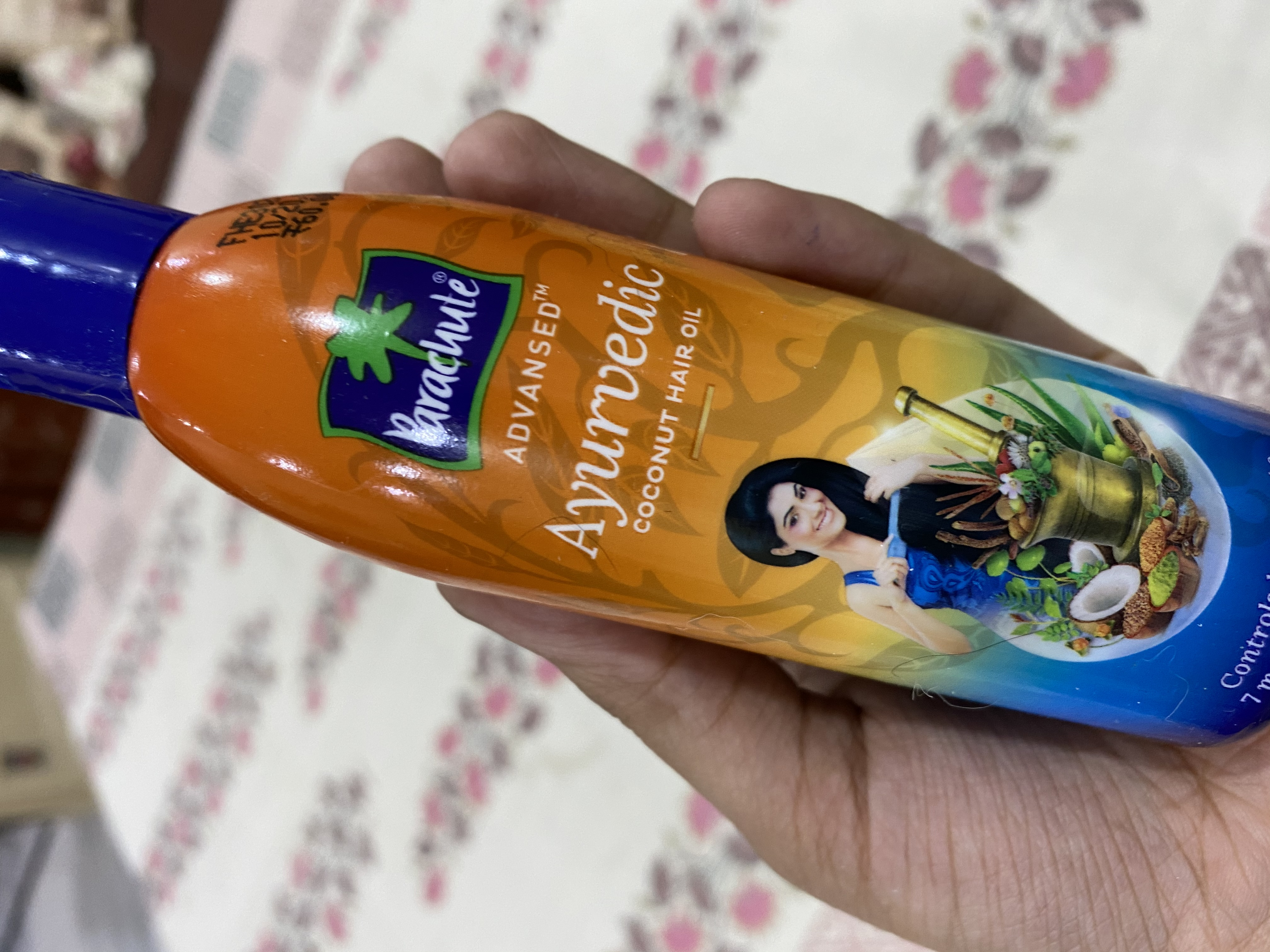 Parachute Advansed Ayurvedic Coconut Hair Oil pic 2-One of the best oil-By the_beauty_bets