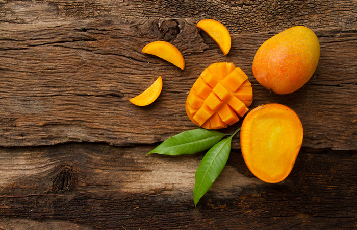 Lines On Mango in Hindi Mango Season