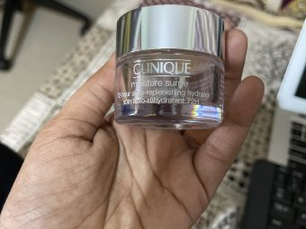Clinique Moisture Surge 72-Hour Auto-Replenishing Hydrator pic 1-Close Eyes and buy it-By swathirampur