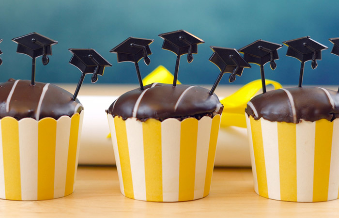 Make Mini Graduation Cap Toppers