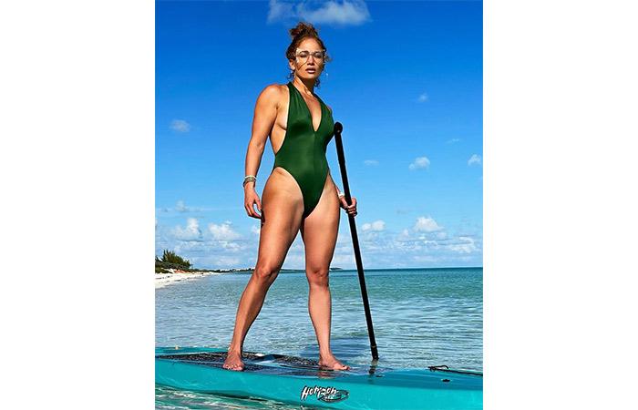 Focus On Core Strength Like Jennifer Lopez