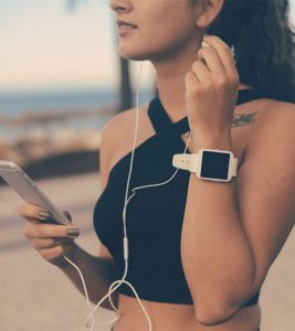 7 Best Smartwatches For Women Available In India