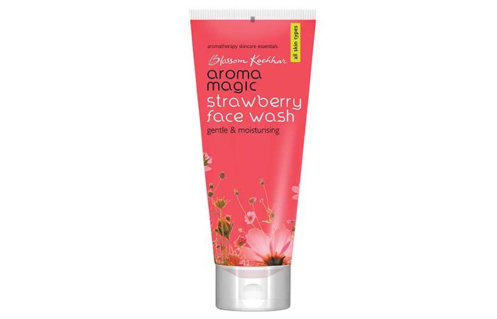 Blossom Kocchar Aroma Magic Strawberry Face Wash