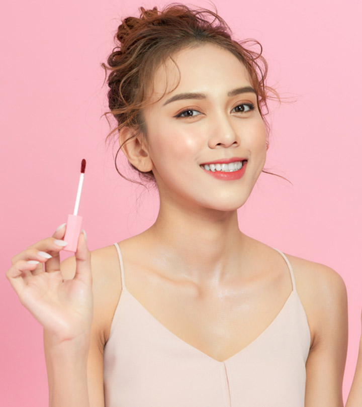 13 Best Non-Sticky Lip Glosses For Pretty, Glittery Lips In 2021!