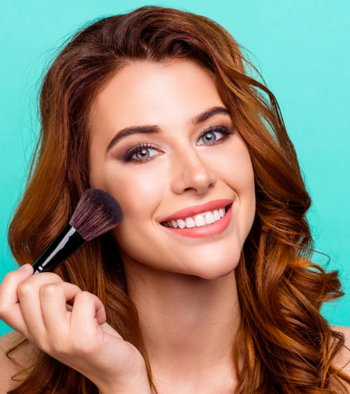 13 Best Powder Brushes For A Smooth And Radiant Look!