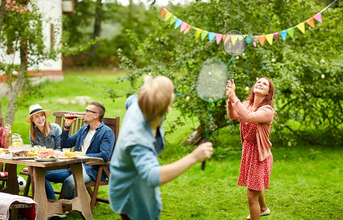 What Are The Different Themes For A Family Reunion