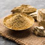 रूखी त्वचा के लिए मुल्तानी मिट्टी के फायदे और बनाने का तरीका - Benefits of Multani Mitti For Dry Skin in Hindi