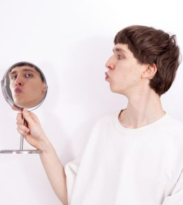 Narcissistic Relationship: What Is It And Signs