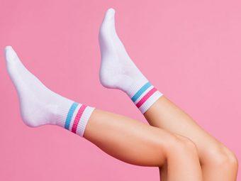 13 Best Moisture-wicking Socks To Bid Goodbye To Sweat and Grim