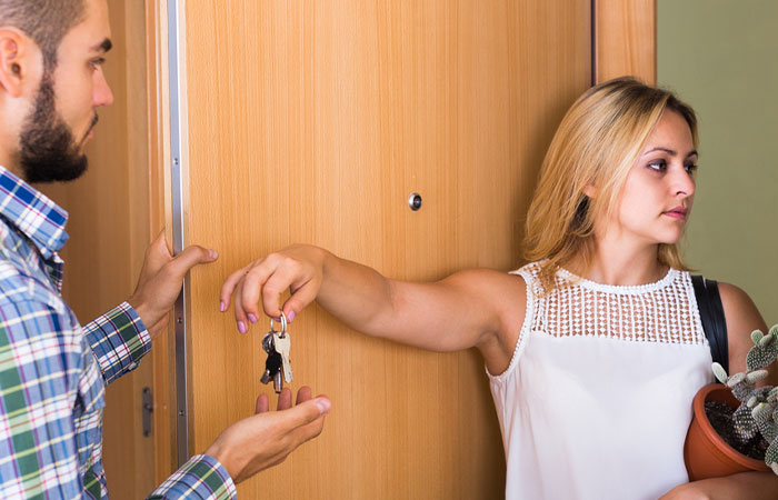 6 unhappy-couple-doorway-separating-going-apart