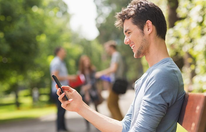 Avoid Texting Immediately After The Date