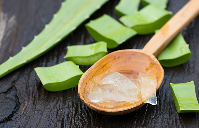 Massage Your Skin With Aloe Vera After Washing It